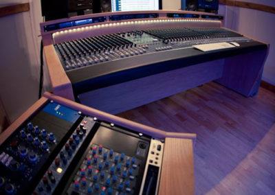 alive-hq-recording-studio-furniture