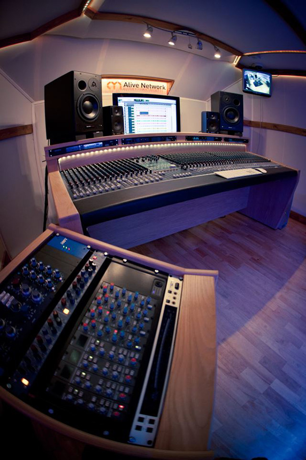 154 alive hq recording studio