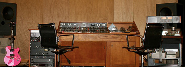 140 BlackSaloonStudios Recording Studio Furniture