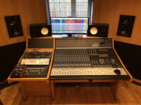 Audient ASP4816 Recording studio Furniture