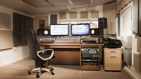 Workstation desk for Neve