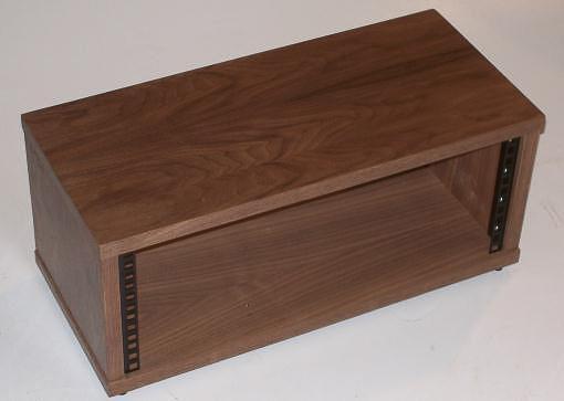 4u rack in walnut veneer