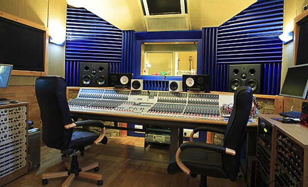 110 Studio Racks UK Recording Studio Furniture