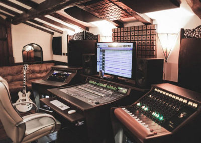 treehhouse-studio-recording-studio-furniture